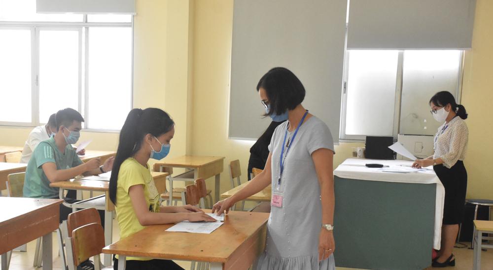 7 thí sinh Hà Nội đến làm thủ tục thi tốt nghiệp THPT năm 2020 đợt 2