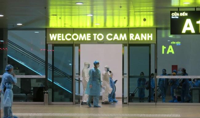Đưa hơn 350 công dân Việt Nam từ Nhật Bản về nước an toàn