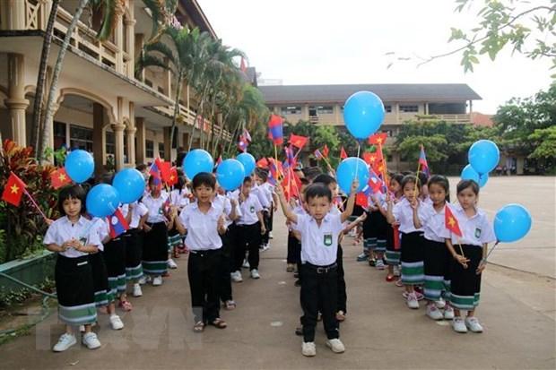 Trường song ngữ Lào - Việt Nam Nguyễn Du khai giảng năm học mới