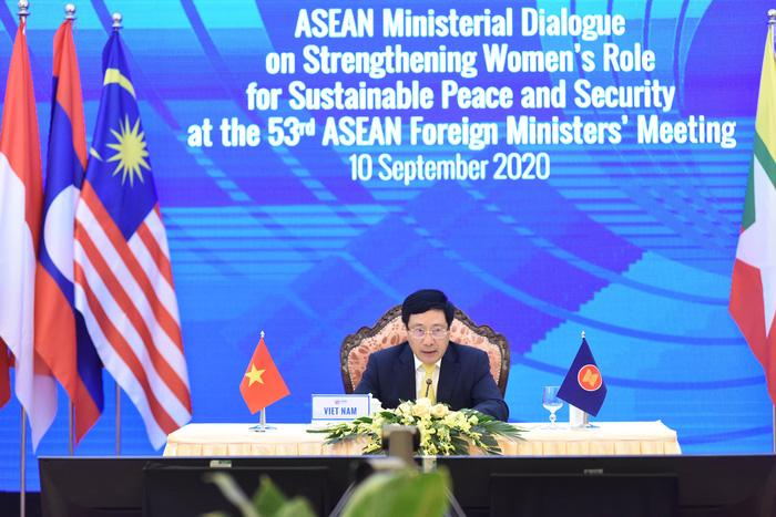 Nâng cao vai trò phụ nữ ASEAN vì hòa bình, an ninh