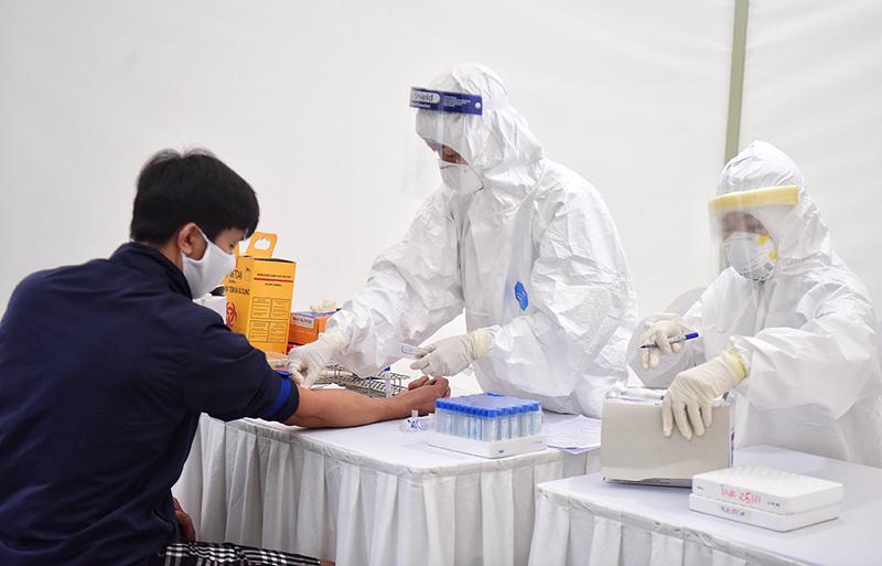 Quảng Ninh triển khai dịch vụ xét nghiệm Covid-19 theo yêu cầu