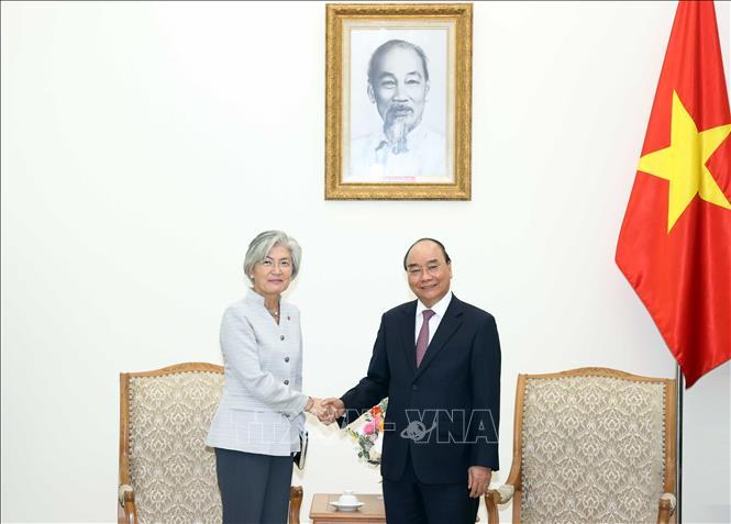 Thủ tướng Nguyễn Xuân Phúc tiếp Bộ trưởng Ngoại giao Hàn Quốc và Giám đốc Quốc gia ADB tại Việt Nam