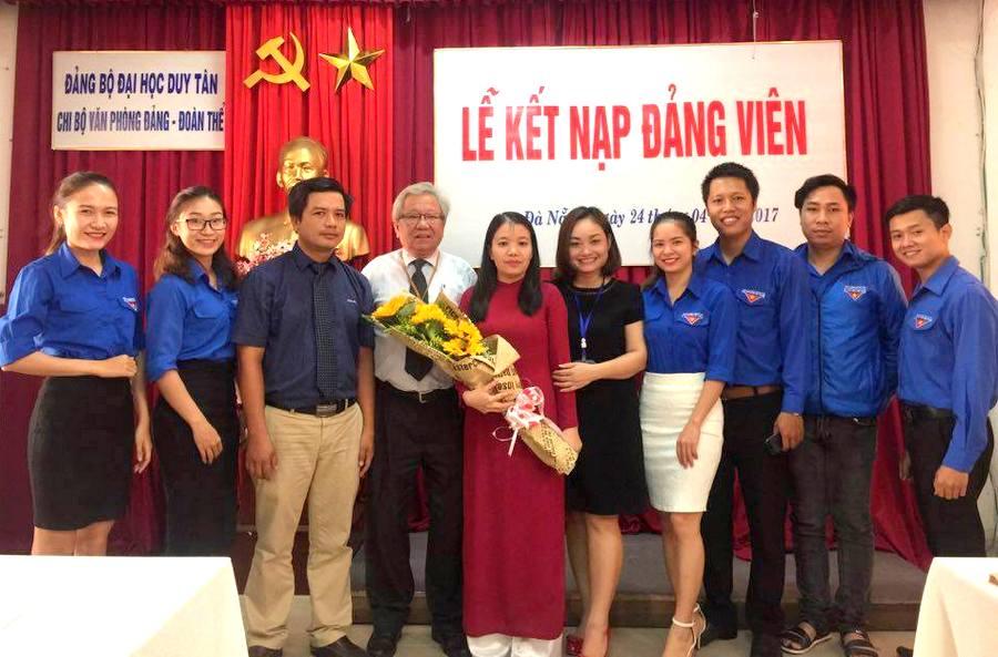 Phát triển đảng viên trong trường học Mô hình từ trường Đại học Duy Tân