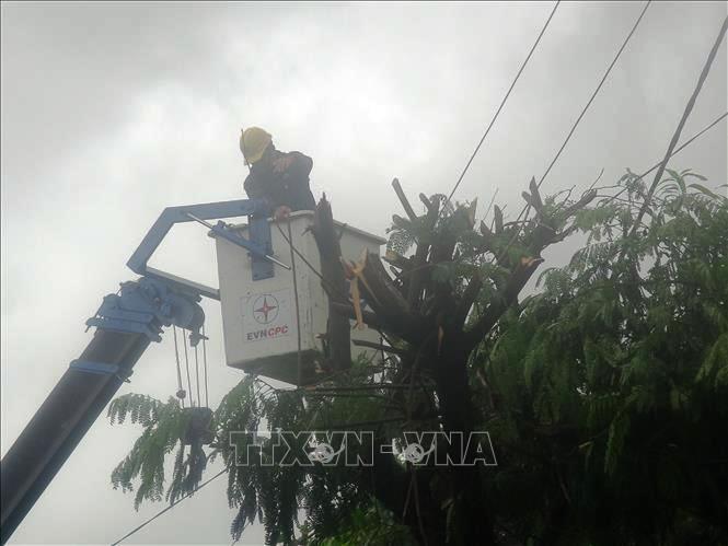 Khẩn trương khắc phục hậu quả do bão số 5 và mưa lũ