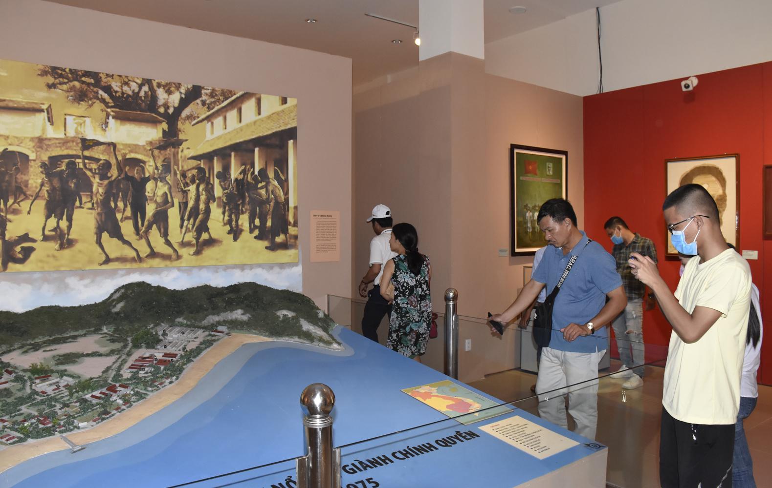 Lượng khách đến Côn Đảo giảm 26