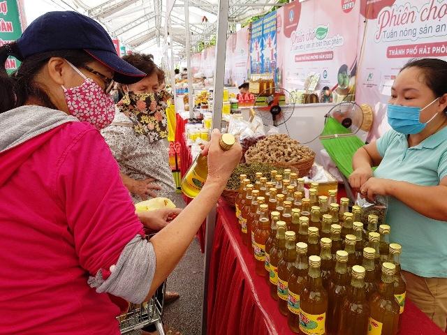 Phiên chợ Tuần nông sản an toàn thực phẩm năm 2020