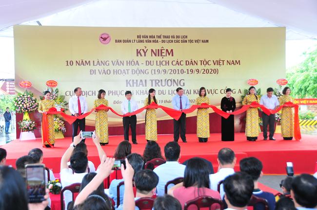 """Khẳng định vị trí """"Ngôi nhà chung"""" của 54 dân tộc Việt Nam"""