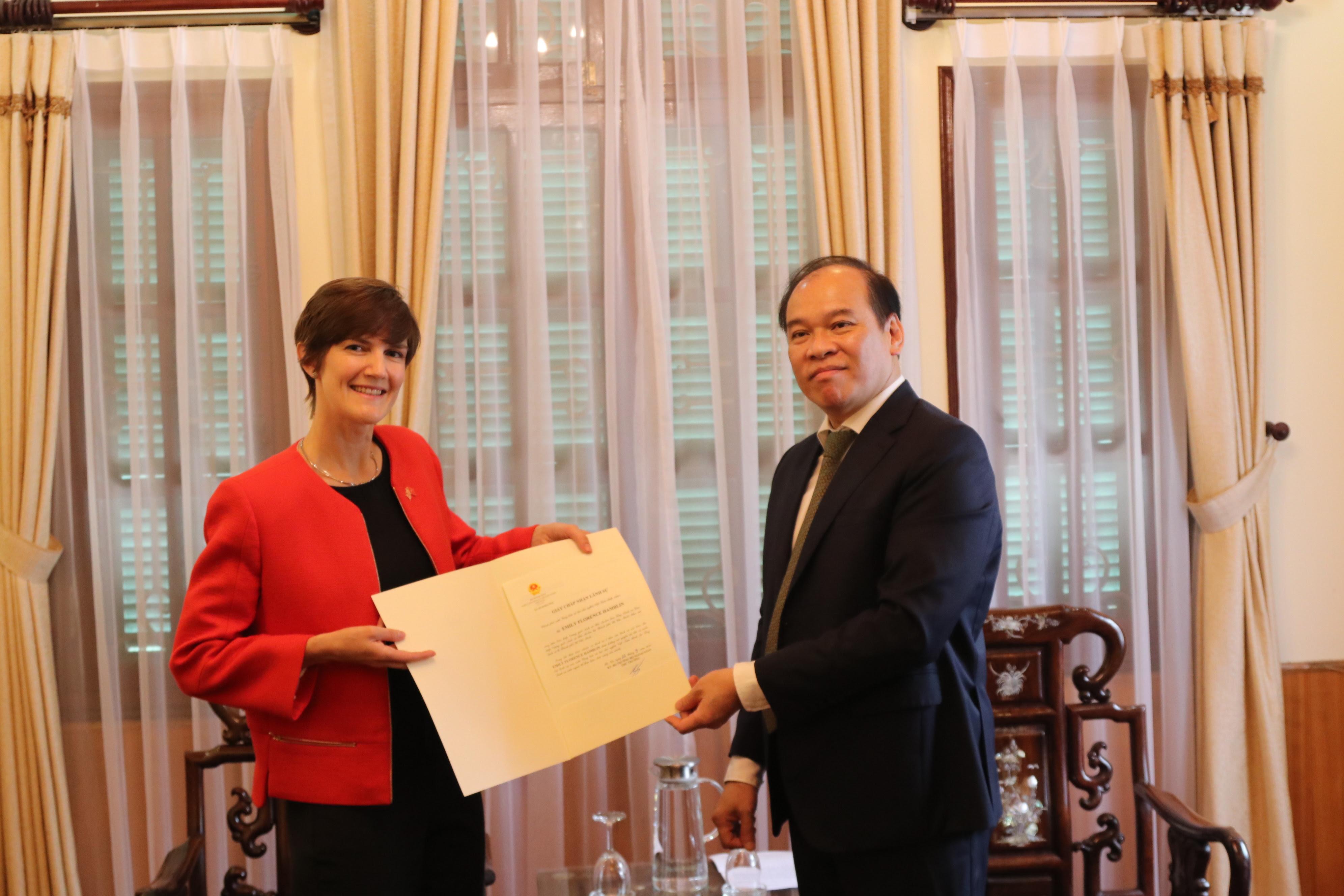 Tổng lãnh sự Anh tại TP Hồ Chí Minh bắt đầu công tác