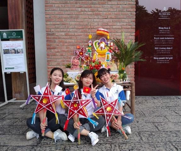 Vui rằm tháng Tám tại Trung tâm Văn hóa Nghệ thuật Việt Nam