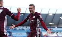 Vardy lập hat-trick, Leicester quật đổ Etihad