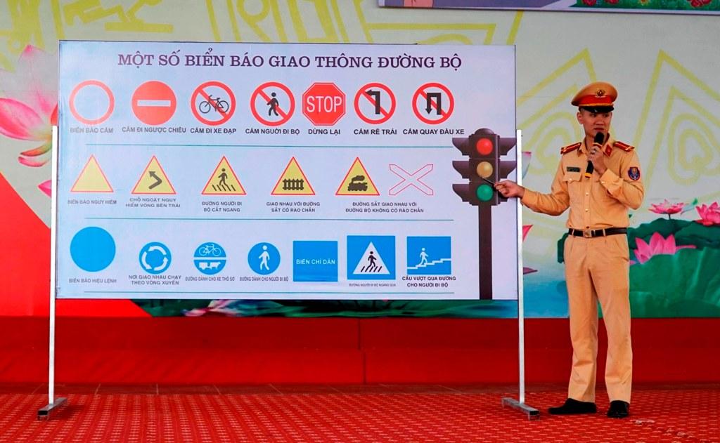 Tuyên Quang Hiệu quả từ mô hình tự quản đảm bảo an toàn giao thông trường học