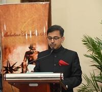 Kỷ niệm 151 năm Ngày sinh của Anh hùng dân tộc Ấn Độ Mahatma Gandhi