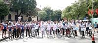 Sôi nổi hoạt động đạp xe hữu nghị vì thành phố Hà Nội xanh