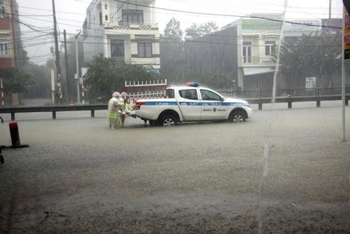 Ngành Giao thông vận tải ứng phó mưa lũ và hoàn lưu bão số 6