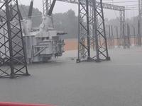 Đảm bảo vận hành an toàn lưới truyền tải điện trong mùa mưa lũ