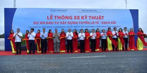 Kiên Giang Thông xe kỹ thuật tuyến cao tốc Lộ Tẻ - Rạch Sỏi