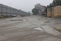 Ngổn ngang đường gom Pháp Vân – Cầu Giẽ đoạn Phú Xuyên