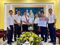 EVNHCMC ủng hộ 500 triệu đồng hỗ trợ miền Trung tin hợp đồng tuyên truyền