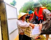 NHCSXH hỗ trợ người dân vùng lũ gần 1,4 tỷ đồng