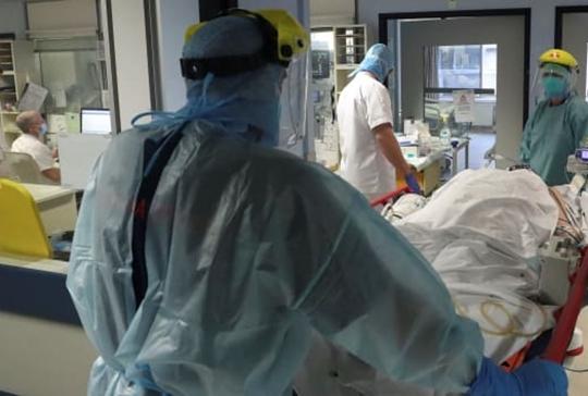 Gần 41 triệu ca nhiễm, hơn 1,1 triệu người chết vì COVID-19