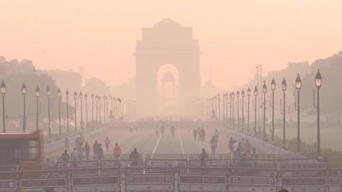 Ấn Độ đối mặt với nguy cơ kép Ô nhiễm không khí và COVID-19