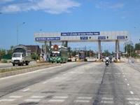 Dừng thu phí đường bộ trên Quốc lộ 1 trong thời gian cứu trợ lũ lụt miền Trung