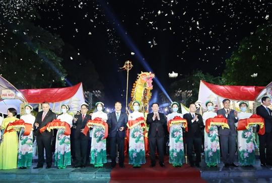 Khai mạc tuần hàng Made in Vietnam - Tinh hoa Việt Nam