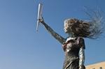 Liban Bức tượng làm từ những mảnh vỡ trong vụ nổ tại cảng Beirut
