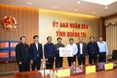 Bộ trưởng Bộ Kế hoạch và Đầu tư thăm hỏi, động viên bà con nhân dân bị bão lũ tại miền Trung