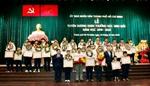 Thành phố Hồ Chí Minh tuyên dương gần 1 000 bông hoa tươi thắm học giỏi