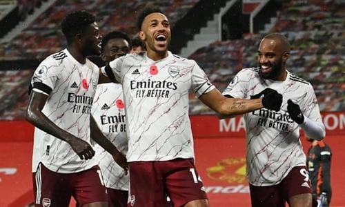 Arsenal thắng trong trận đại chiến Premier League