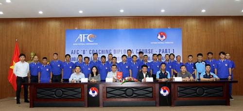 Đào tạo huấn luyện viên chứng chỉ B AFC - 2020
