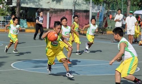 Sân chơi thể thao hấp dẫn của nhiều thế hệ học sinh