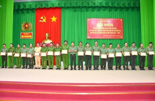 """Bình Thuận Đẩy mạnh phong trào """"Dân vận khéo"""" trong lực lượng công an"""