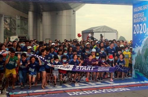 Hơn 2 500 vận động viên tham gia Giải Marathon bên bờ di sản vịnh Hạ Long