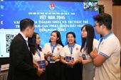 Các trí thức trẻ đóng góp ý kiến cho sự phát triển của đất nước