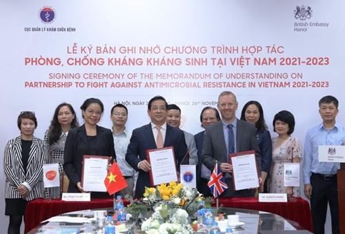Ký kết Biên bản ghi nhớ Chương trình Hợp tác phòng, chống kháng kháng sinh tại Việt Nam giai đoạn 2021 – 2023