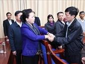 Chủ tịch Quốc hội Nguyễn Thị Kim Ngân thăm, động viên gia đình các liệt sỹ hy sinh trong đợt mưa lũ tại miền Trung