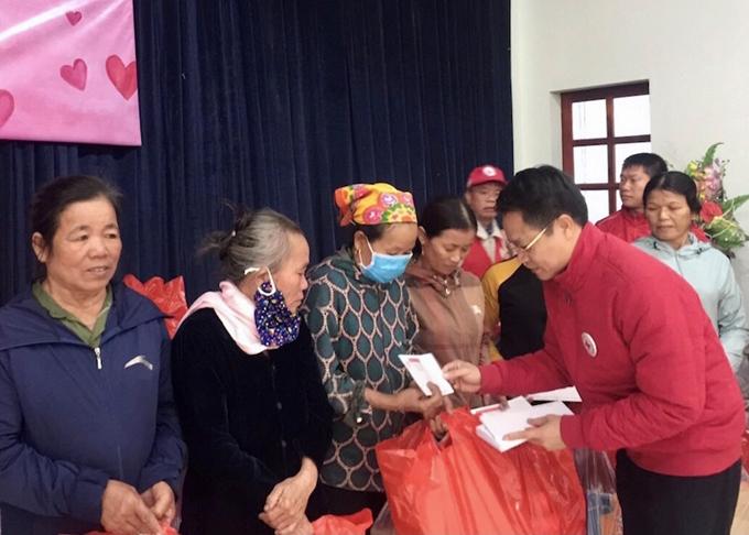 Hội Chữ thập đỏ thành phố Hà Nội triển khai đợt cứu trợ thứ 4 hỗ trợ người dân miền Trung
