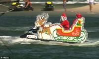Australia Hàng trăm ông già Noel lướt sóng để gây quỹ từ thiện