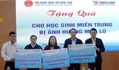 Bộ GD ĐT tặng 4 000 suất đồ dùng học tập cho học sinh miền Trung