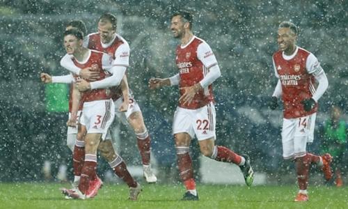 Arsenal thắng tưng bừng tại The Hawthorns