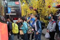 Thành phố Hồ Chí Minh chăm lo cho thanh niên công nhân, sinh viên dịp Tết