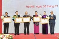 Trao tặng Huân chương Đại đoàn kết dân tộc