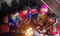 Hàng chục nghìn học sinh các tỉnh miền núi phía Bắc nghỉ học vì rét đậm