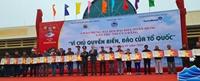 Trao tặng 16 nghìn lá cờ Tổ quốc, 5 nghìn ảnh Bác Hồ cho ngư dân