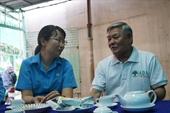 TP Hồ Chí Minh tặng quà Tết cho công nhân khó khăn