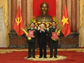 Tổng Bí thư, Chủ tịch nước trao Quyết định thăng quân hàm cho hai Thứ trưởng Bộ Quốc phòng