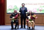 Hà Nội Hơn 5 900 đảng viên được trao Huy hiệu Đảng dịp 3 2 2021