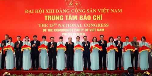 Khai trương Trung tâm Báo chí và Họp báo Đại hội XIII của Đảng